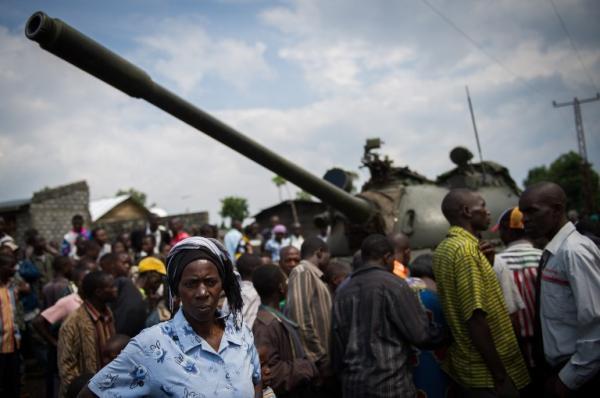 Quartier de Ndosho, Goma, 21 novembre 2012. Le tank appartenait à l'armée régulière de RDC, qui l'a laissé derrière elle lors de sa retraite du 20 novembre.