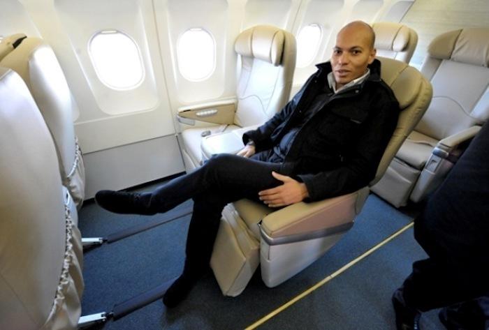 Karim WADE devant les gendarmes durant 17heures