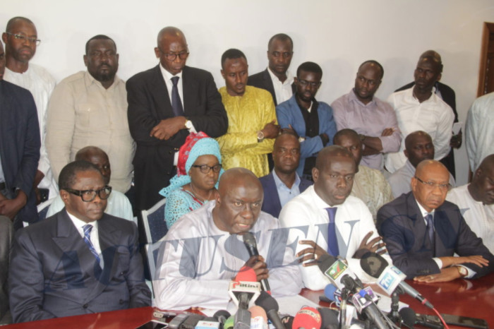Statut du chef de l'opposition : la majorité vote Idy, l'opposition dit niet et la société civile démonte le pouvoir