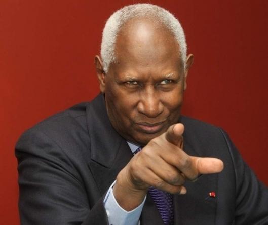Abdou Diouf dans nos murs ce mardi, visite officielle ou privée ?