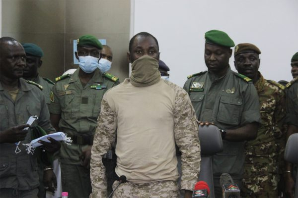 Transition au Mali: la CEDEAO donne un ultimatum à la junte