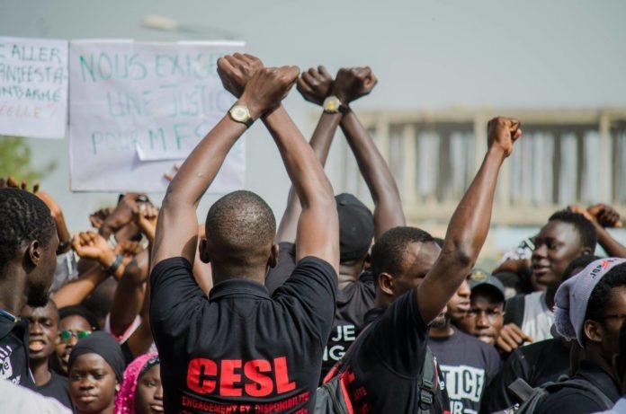 Marche Saint-Louis-Dakar des étudiants de l'UGB: un étudiant tombe et se fait évacuer à l'hôpital