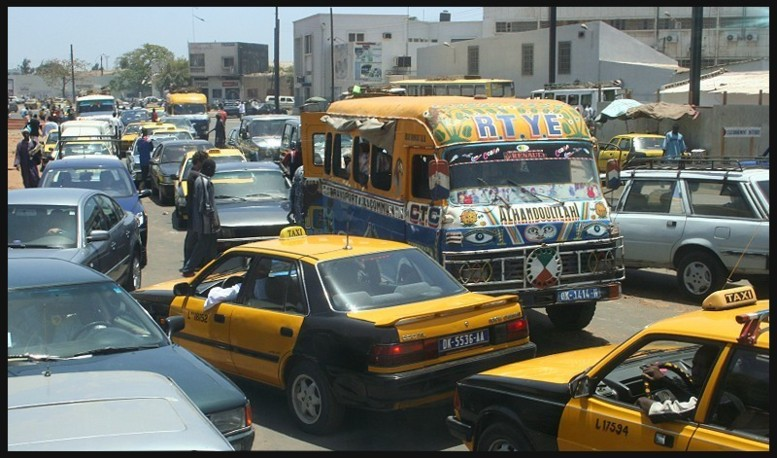 Sénégal : un nouveau code des impôts supprime les vignettes