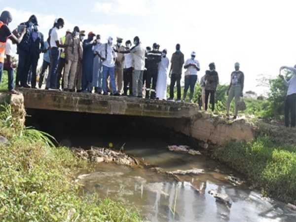 A Bambey ce vendredi, Aly Ngouille Ndiaye ordonne l'arrêt systématique des travaux de pompage