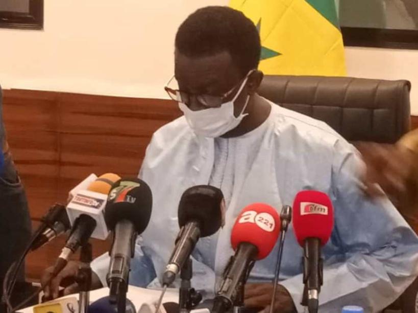 Amadou Ba annonce la mise en circulation des nouveaux passeports biométriques