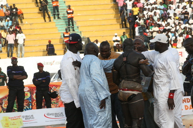 Positions de parlementaires sur l'arène nationale et la lutte