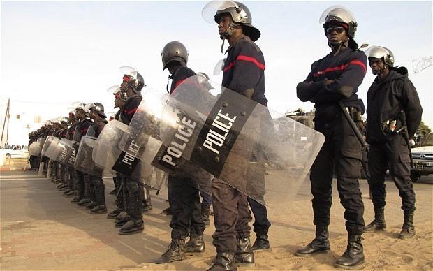 Place de l'Obélisque & Manifestation du Pds : La police nationale sort la grande armure