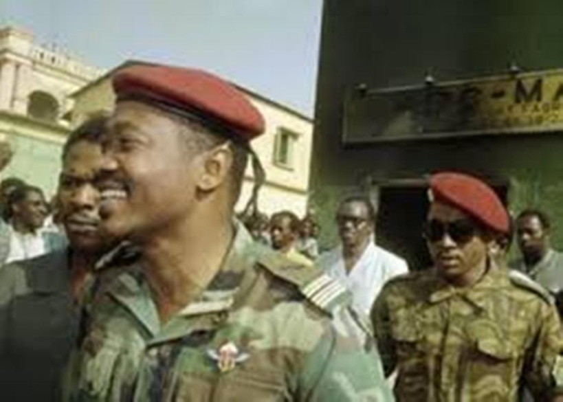 Mali: 60 années rythmées par les coups d'État