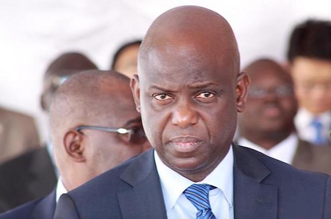 """""""Harcelé"""" par Babacar Fall sur la question du 3e mandat, le ministre Mansour Faye esquive par tous les moyens"""