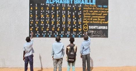 Le Sénégal compte 800 000 sourds: l'utilisation abusive des écouteurs et smartphones décriée par une spécialiste