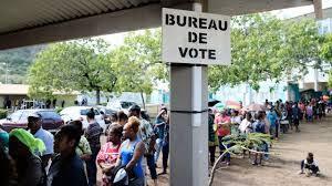 """Nouvelle-Calédonie : """"Non"""" à l'indépendance avec 53,26 % des voix, en recul par rapport à 2018"""