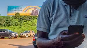 Guinée: des pages Facebook pro-Condé créent la confusion avant la présidentielle