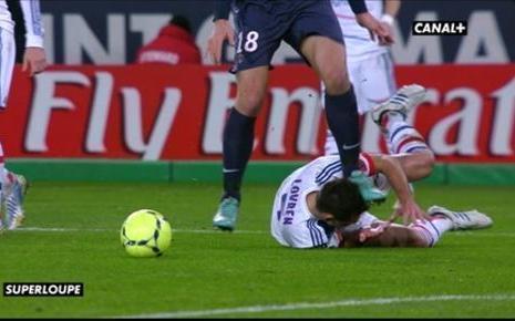 Accusé d'avoir marché sur la tête de Lovren, Ibrahimovic convoqué par la commission de discipline de la ligue 1