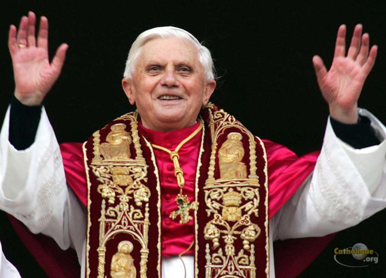Dans sa bénédiction de Noël, Benoît XVI plaide pour la paix