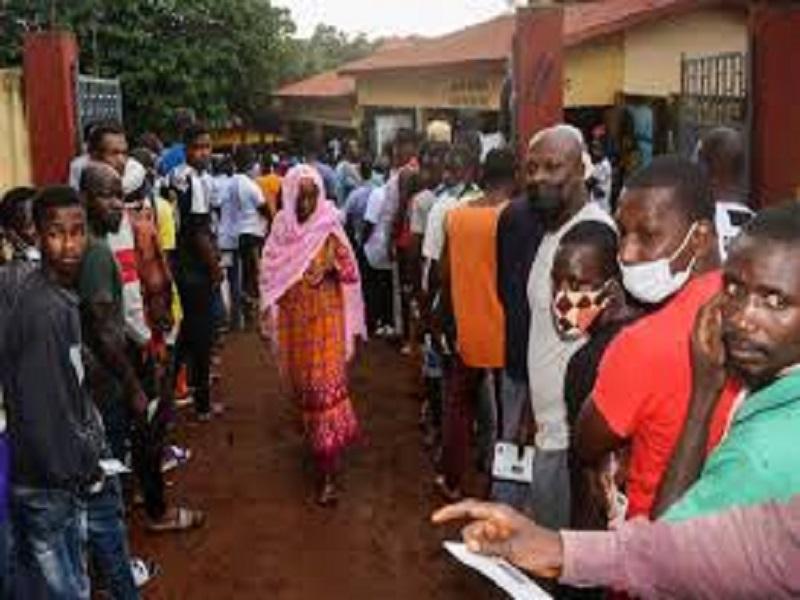 En direct...les Guinéens dans l'attente des résultats