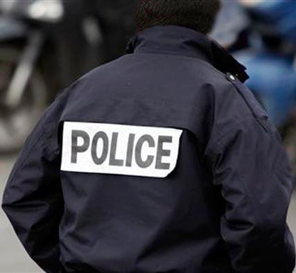Les policiers venus arrêter Me El hadji Amadou SALL ont-ils volé son portable et son argent ?