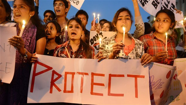 La jeune indienne victime d'un viol collectif décède à l'hôpital