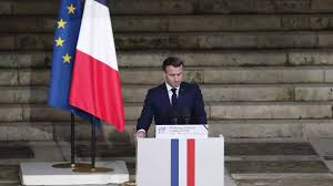 Hommage à Samuel Paty: Macron appelle à l'unité contre les islamistes