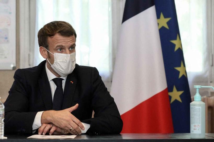 Covid-19: Emmanuel Macron n'exclut plus un reconfinement en France