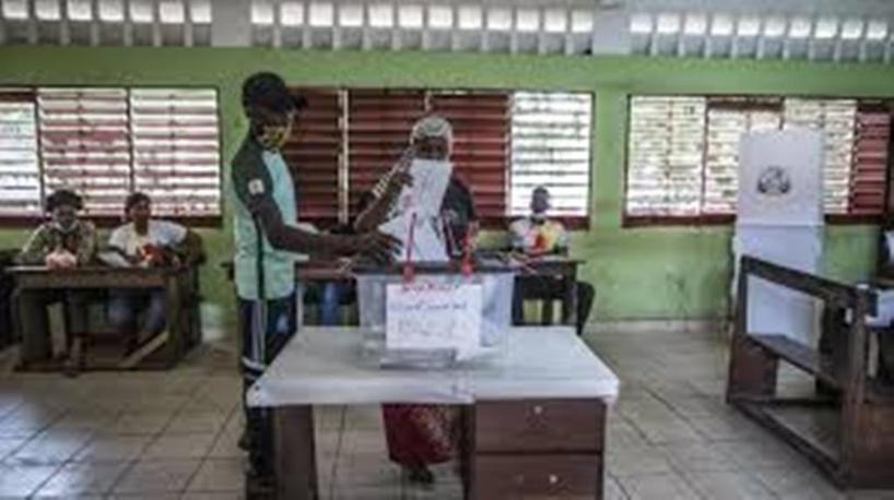 Guinée: des commissaires de la Céni dénoncent des fraudes