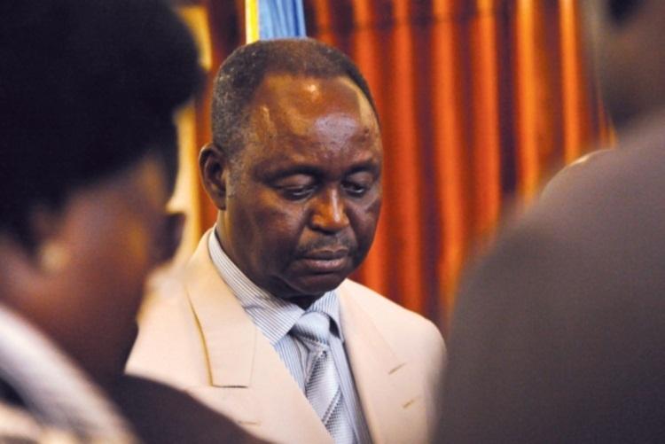 Il lâche son fils pour sauver son régime: Bozizé plus réaliste que Wade ?
