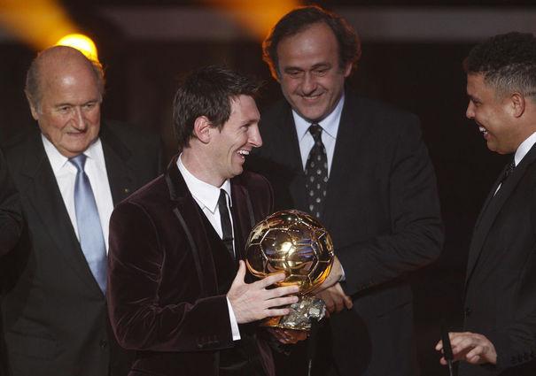 Platini : «Messi représente bien le foot»