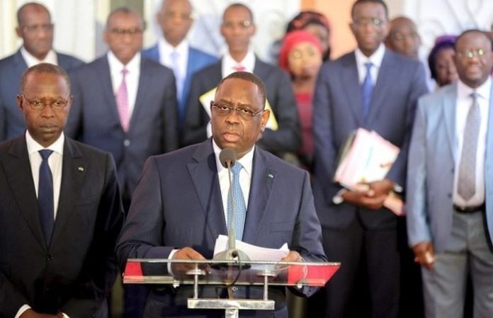 Macky Sall forme un gouvernement de 33 ministres et 4 secrétaires  d'État (Document)