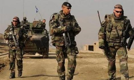 Mali: l'armée française se déploie au sol