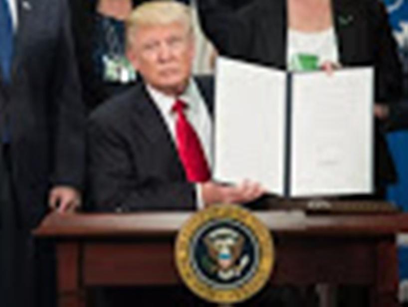En images : le mandat du président américain Donald Trump en 12 dates clés