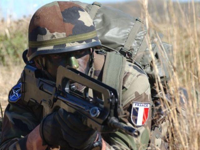 La présence militaire française rassure civils et politiques maliens