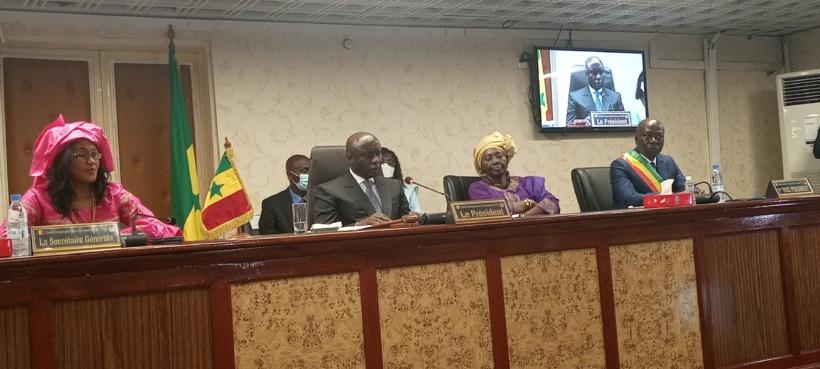 Passation de service CESE: Idy accuse Mimi Touré de ne lui avoir remis aucun document de sa gestion