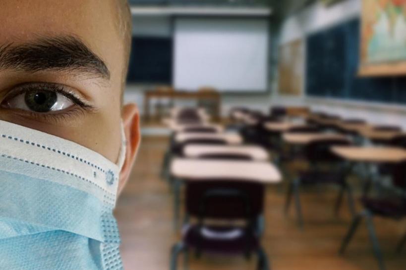 Covid : opération de dépistage vis tests antigéniques dans les lycées d'île-de-France