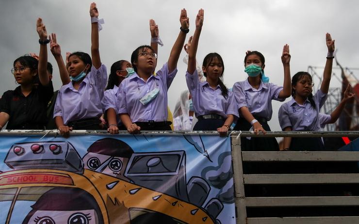 Thaïlande: des milliers de lycéens dans la rue pour une réforme de l'école et plus de démocratie