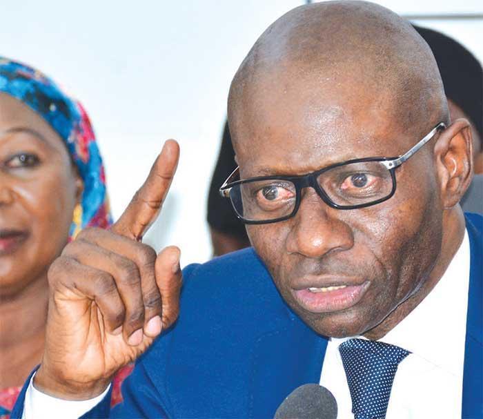 """Boubacar Camara annonce pour bientôt la """"guerre"""" entre Macky Sall et Idrissa Seck"""
