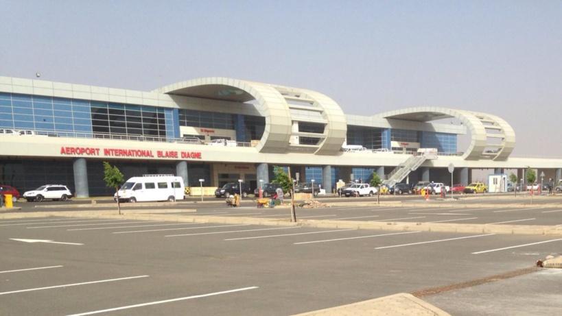 Aéroport Dakar Blaise Diagne : Des agents ramassent une forte somme d'argent remise à son propriétaire, un passager