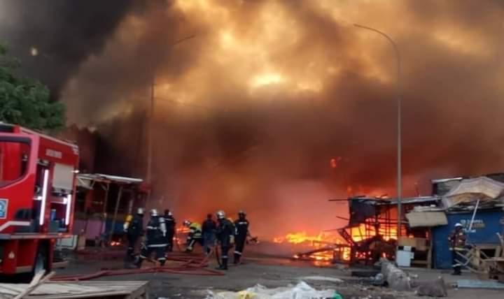 Kaolack: 3 morts et 8 blessés après l'explosion de 2 camions citernes d'essence