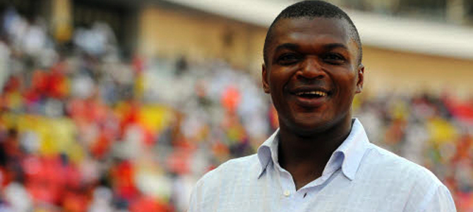 CAN 2013 : Desailly baffe un journaliste
