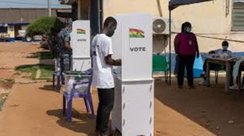 Présidentielle au Ghana: un vote anticipé dans le calme