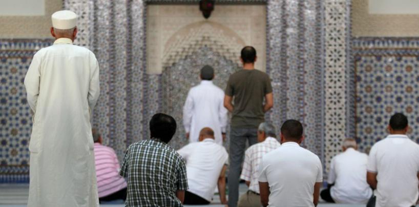Radicalisation en France: Le contrôle des 76 lieux de culte musulman annoncé par Darmanin commence ce jeudi