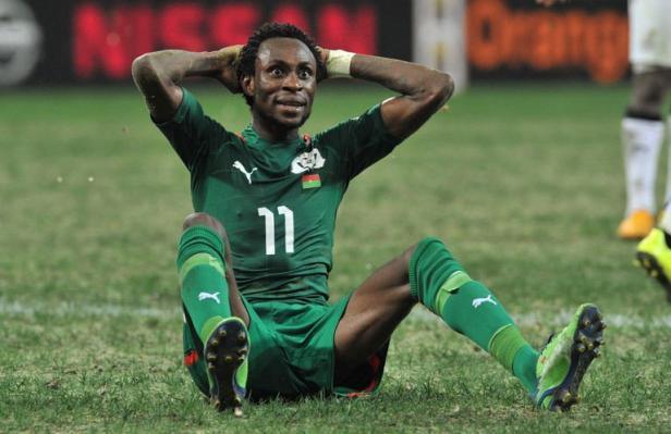 CAN 2013 - L'arbitre de Ghana-Burkina suspendu: le carton rouge de J. Pitroipa pas encore levé
