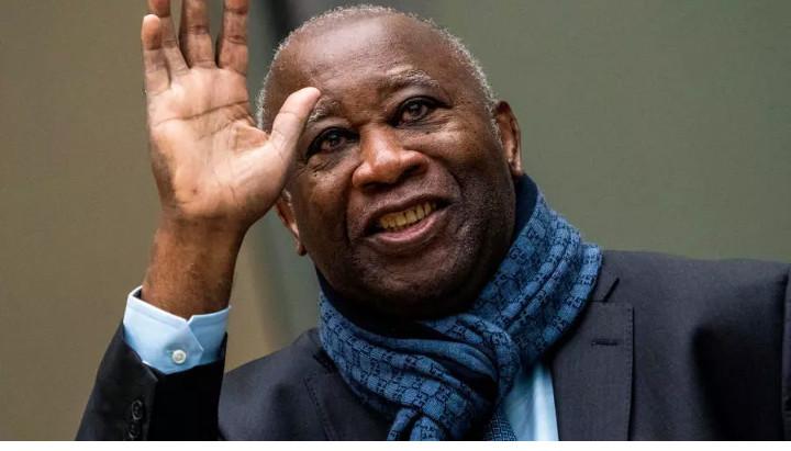 Passeports pour Laurent Gbagbo: ses partisans soufflent et attendent son retour