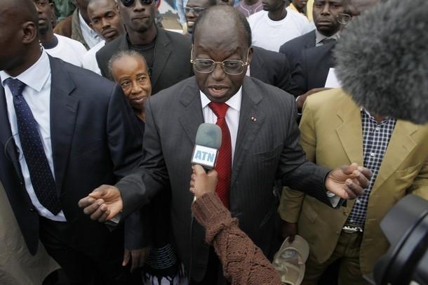 Tentative d'assassinat sur Moustapha Niasse : La FNCL  parle d'un grave mensonge cousu de fil blanc par un bouffon du prince et réclame une enquête parlementaire