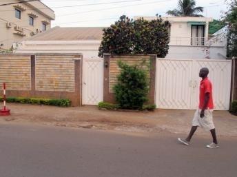 Yaoundé, la maison des Français enlevés au nord du Cameroun