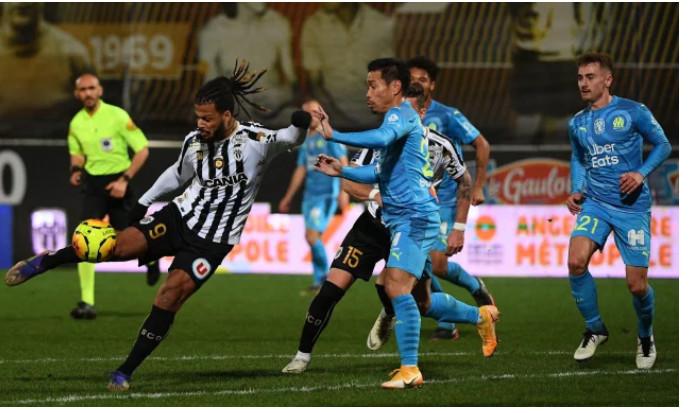Ligue 1 : Lille, l'OL et le PSG gardent le rythme, l'OM se loupe à Angers