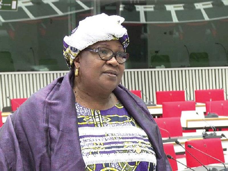 La grosse bourde d'Aïda Sow Diawara après l'annonce de l'état d'urgence assorti du couvre-feu
