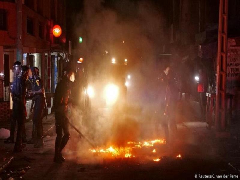 Dakar: plusieurs quartiers se soulèvent contre le couvre-feu