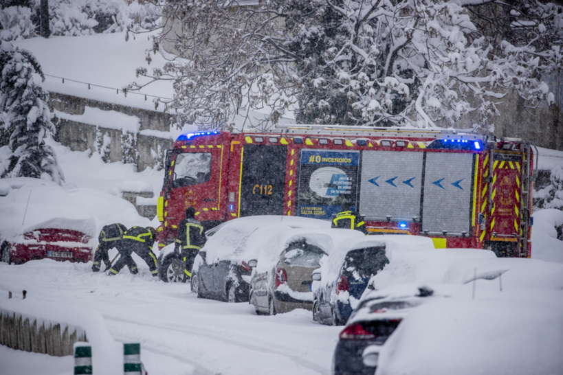 Une tempête de neige crée le chaos et fait trois morts