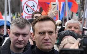 Russie: Alexeï Navalny sera arrêté en cas de retour, selon les autorités pénitentiaires