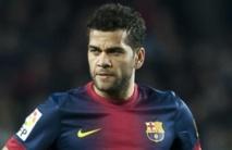 D. Alves sur le match retour contre Milan: «Les grands défis sont faits pour les grandes équipes»