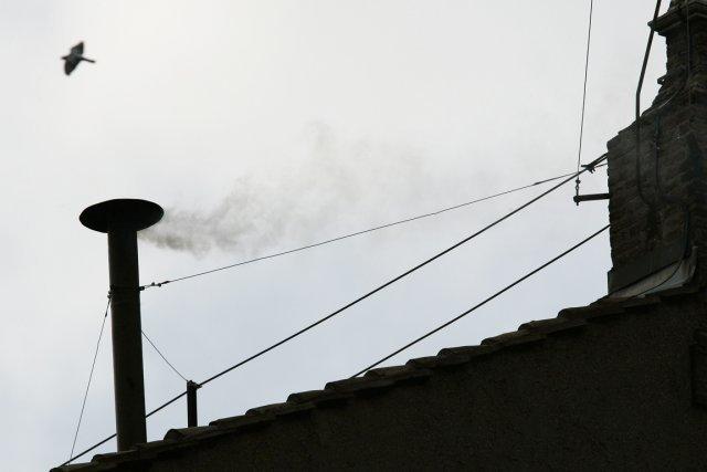 Vatican: deuxième jour du conclave, le suspense continue